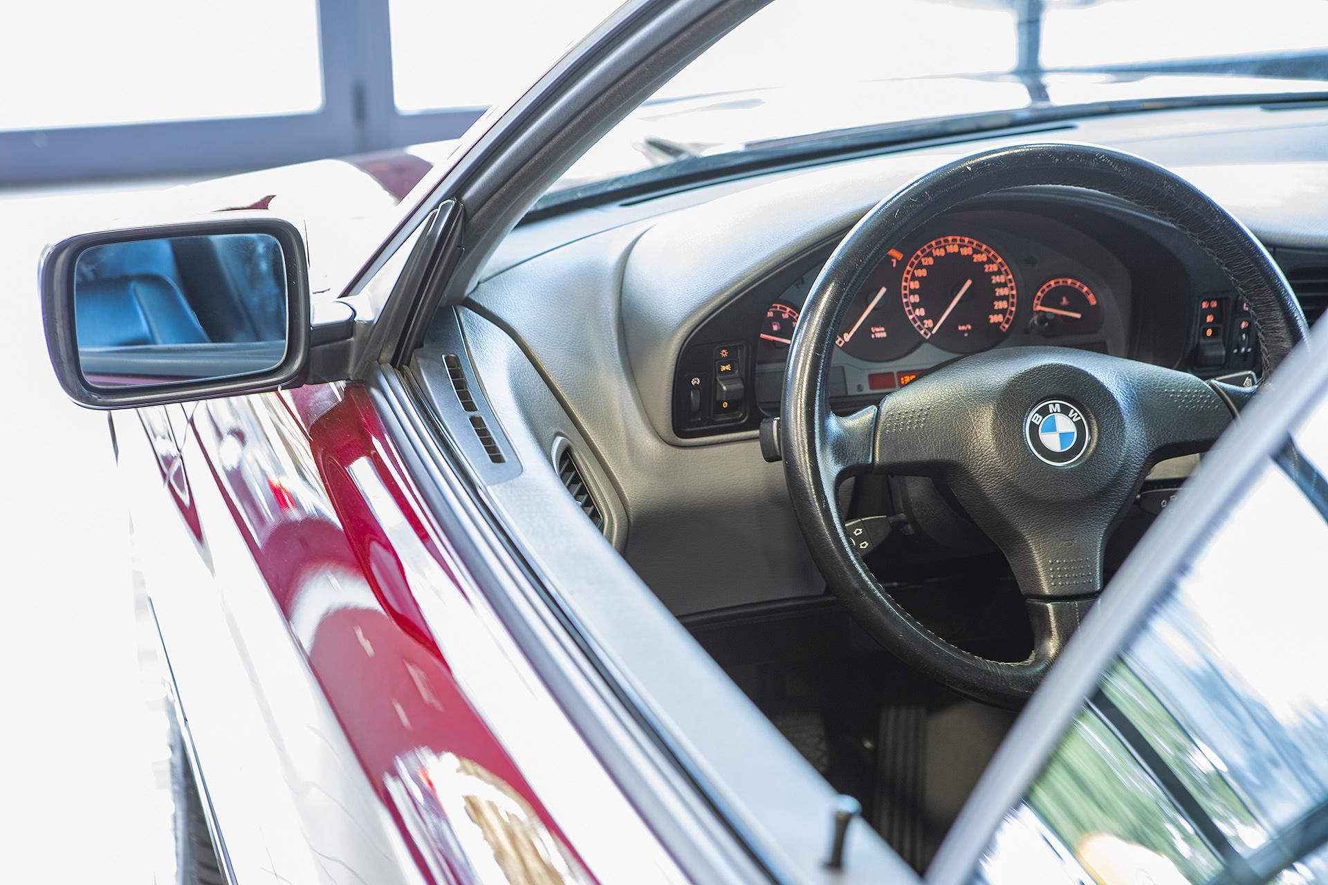 BMW 850i V12 300C.P.